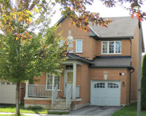 3 Bdrm Sun-Filled Detached House In Greensborough