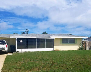 Lovely beachside home in Ormond by the Sea!
