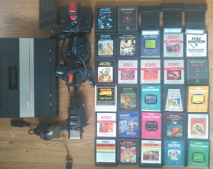Atari 7800, 30 games + controllers and hookups
