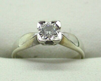 Lovely 9 carat White Gold 0.25 Carat diamond Solitaire Ring Size L