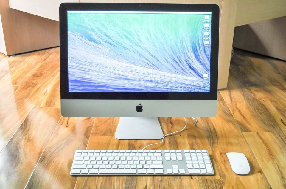 Apple iMac 21.5 inch i5 QUADCORE 2.5 Ghz 16gb Ram 500 HD Logic9 Adobe FinalCutProX/Studio