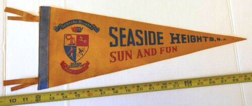 "SEASIDE HEIGHTS COCEAN COUNTY NEW JERSEY PENNANT 17.5"" {D180}"