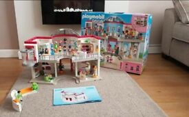 Amazing city life playmobil shopping mall
