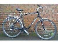 Giant Cypress City men's XL hybrid/commuter Bicycle, front fork suspension, mudguards, pannier rack
