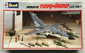 RARE 1/72 REVELL PANAVIA TORNADO GR Mk.1 JET FIGHTER AEROPLANE 1984 VINTAGE MODEL KIT PLASTIC RAF