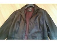 New Dorothy Perkins Leather Coat size 20 or 48 euro threequarter black leather .