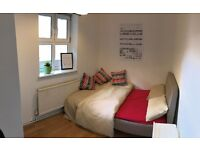 Small Double Room in Friendly Gay Flatshare 5 Mins to Forest Hill Stn
