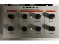 MAM MB 33 analog retro bass synthesizer (303 clone)