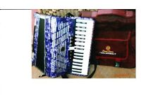 Second hand Pearl River purple marbled effect accordion 120 base hardly used good condition