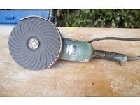 """240v makita 9"""" Angle grinder GA9020"""