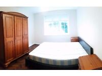Lovely Double Room Available in Ealing Area!!!