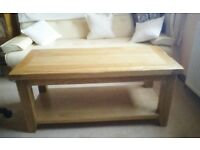 New natural solid oak coffee table