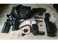 Nikon D7000 18-200mm SB-900 2*16GB Sandisk & more - Big Bundle