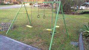 Kids swing set Thornton Maitland Area Preview