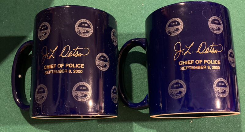LOT OF 2 CHATTANOOGA POLICE DEPARTMENT CHIEF J.L.DOTSON 2000 COFFEE CUP MUG