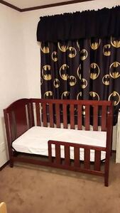 Convertible Crib/Toddler Bed/Child's Day Bed