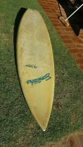 """late 1980's Santosha 6'2"""" thruster surfboard"""