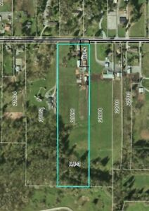 New Price~11.66 Acres w/Rancher,Mobile,Barn, Production Building