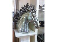 extra large HORSES HEAD and Pillar stand - STUNNING
