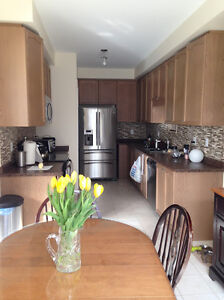 OAKVILLE Dundas/6th Line-3 Bedrooms Available Immdtely-Save $$$!