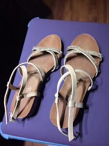 Beautiful Never-Worn Sparkly Gold Strappy Sandals