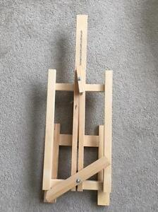 Raw Wood Tabletop Easel