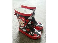 NEW Minnie Mouse wellies size 5