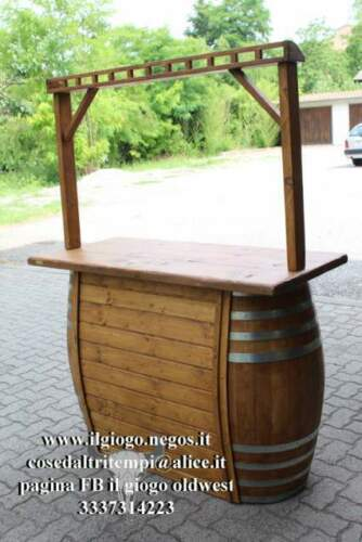Mobile bar rustico con botte