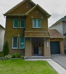 **Available immediately** Beautiful Barrhaven Home