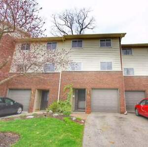Upgraded 3Br 2Wr TH Beautifully Maintained 1270 Gainsborough Dr