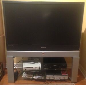 Samsung TV & Stand in mint condition with HDMI inputs