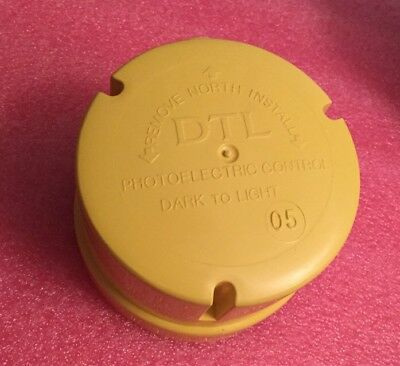 Dtl Dark To Light Outdoor Photoelectric Control Dx480-11a