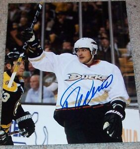 TEEMU-SELANNE-SIGNED-ANAHEIM-MIGHTY-DUCKS-8x10-PHOTO-C-w-PROOF