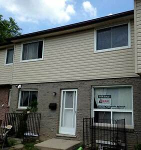 Waterloo Townhouse Student Rental With Advance Viewings