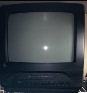 Small TV / Petite télé
