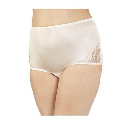 Vanity Fair Women's Yours Lace Nouveau Brief Panty 13001 Fawn (Vanity Fair Lace Briefs)