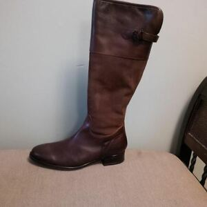 Leather Suede Boots-Never Worn-size 10