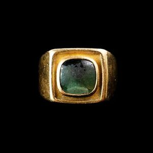 10k Yellow Gold Men's Ring, Green Stone, Heavy, Estate Jewellery