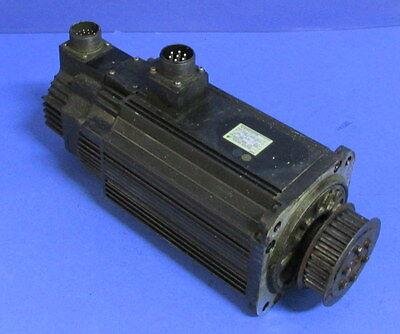 Yaskawa Electric 1300w 8.34 N-m 10.7a 1500 Rm Ac Servo Motor Sgmg-13awa-yr13
