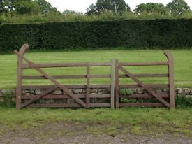 One Pair of Turned Heel Hard Wood Gates
