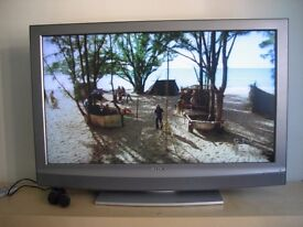 """Sony KDL40U2000 - 40"""" Widescreen Bravia HD Ready LCD TV - With Freeview"""