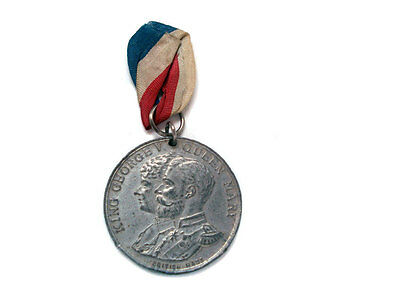 1935 SILVER JUBILEE KING GEORGE V & QUEEN MARY MEDAL