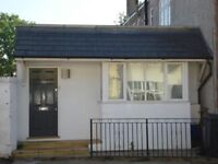Beautiful 1 Bed House With Private Garden On Edgeley Road Close To Station & Local Amenities