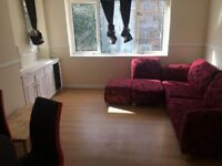 3 Bedroom Flat, Wainford Close, Southfields £1800 Available Now!