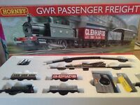 Hornby GWR Passenger Freight Electric 00 Gauge Train Set with Accessories.