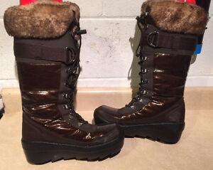 Women's Cougar Warm Winter Boots Size 8M London Ontario image 3