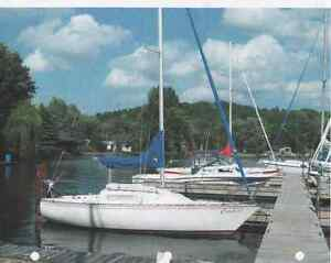 Excellent condition trailerable swing keel sailboat