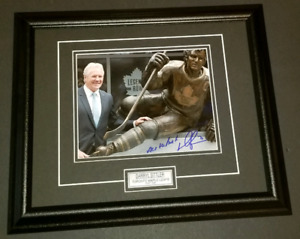 Darryl Sittler Signed/Framed Maple Leafs Legends Row Photo
