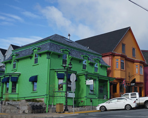 Looking for room to rent in Lunenburg for July