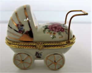 FORMALITIES by BAUM Bros China Baby Carriage opening Box
